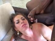 Naomi uma gostosa que adora um negão